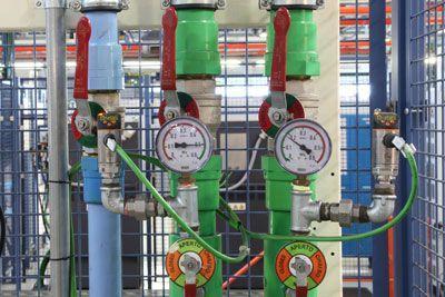 Capteurs de pression IO-Link au lieu de manomètres mécaniques