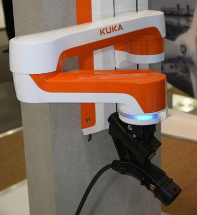 Автоматическая зарядка помощника для электромобилей