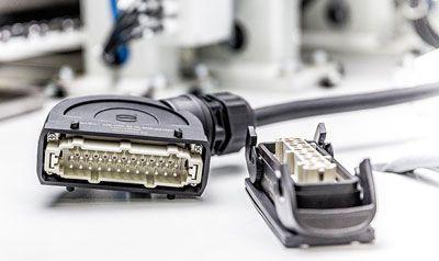 Conectores de plástico livianos y conectores rotativos de fibra óptica