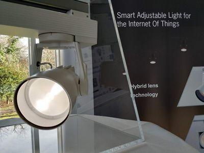 Luz inteligente para el internet de las cosas.